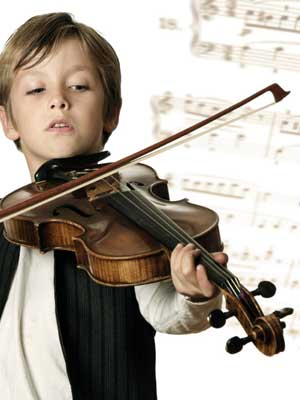 child enjoying advanced violin lesson